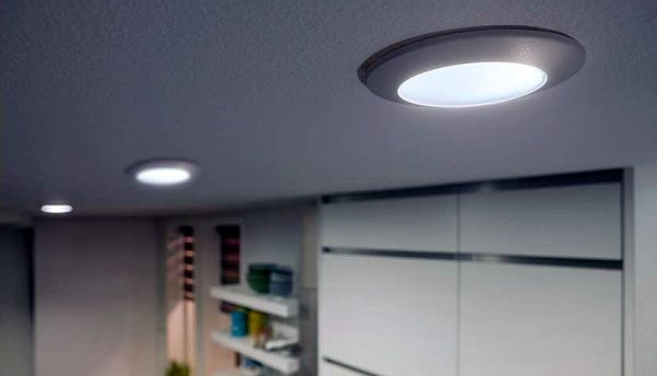 Philips-Hue-Phoenix-Downlight-05
